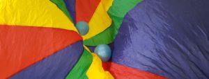 telo colorato con palloncini