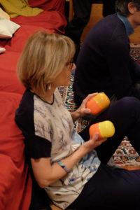 donna che suona le nacchere