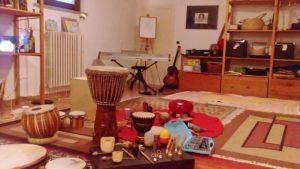 sala musica con strumenti